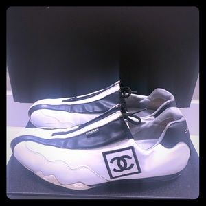 Authentic Chanel leather logo CC Sneakers